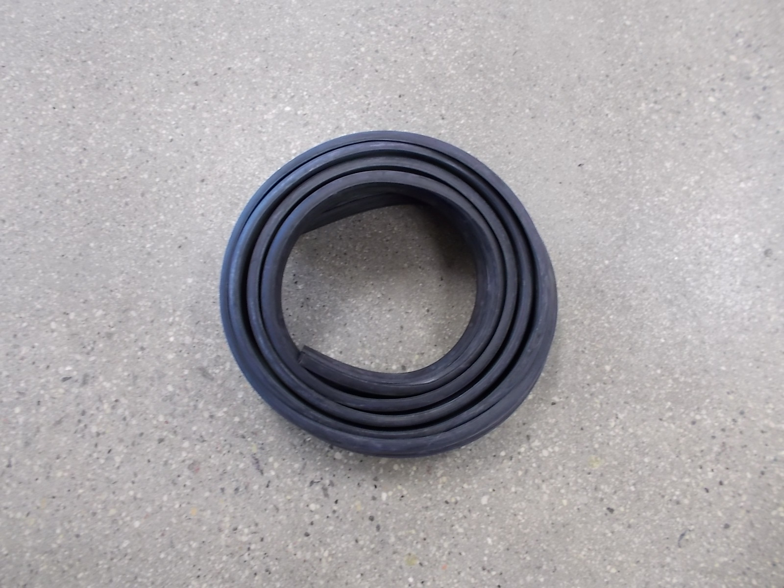 Peterbilt 359 Rubber Hood Cowl Seal